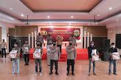 Rayakan 3 Dekade Alumni Akpol 1991,Kapolda Sulsel Salurkan Bansos Untuk Nakes dan Warga Papua di Makassar