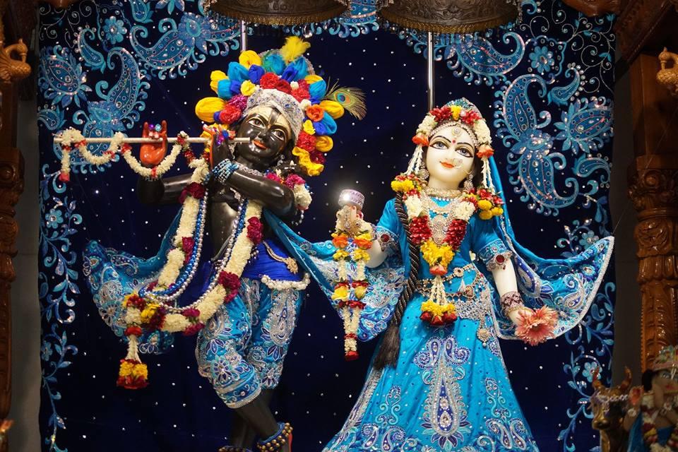 ISKCON Noida Deity Darshan 11 May 2016 (4)