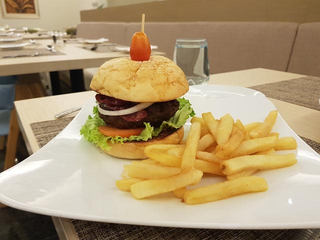 Hilton Garden Inn Puchong Burger