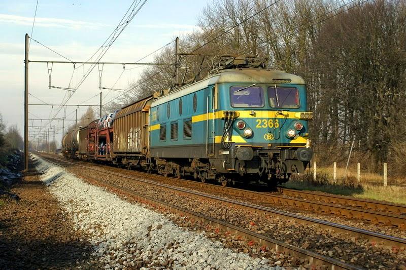 2366 Mortsel Amedeus 25.01.2003 (foto Axel Vermeulen)