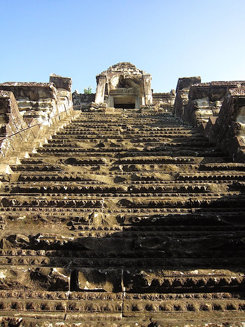 steps to the highest terrace of Angkor Wat
