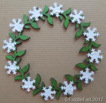 [snowflake+wreath+1%5B7%5D]
