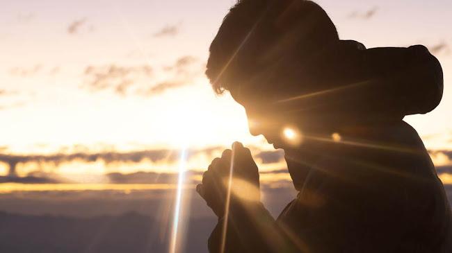 Chúa Ba Ngôi và dấu thánh giá