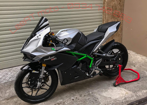 Modified bajaj pulsar RS 200