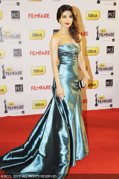 Talented actress Priyanka Chopra stands out in sea-blue Armani gown on the red carpet at the 58th Idea Filmfare Awards 2013, held at Yash Raj Films Studios in Mumbai.Click here for:<br />  58th Idea Filmfare Awards