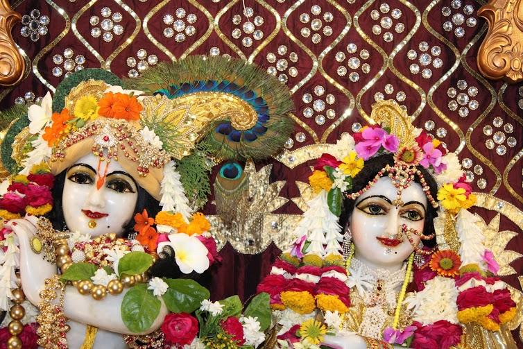 ISKCON Vallabh Vidhyanagar  Deity Darshan 09 April 2016 (8)