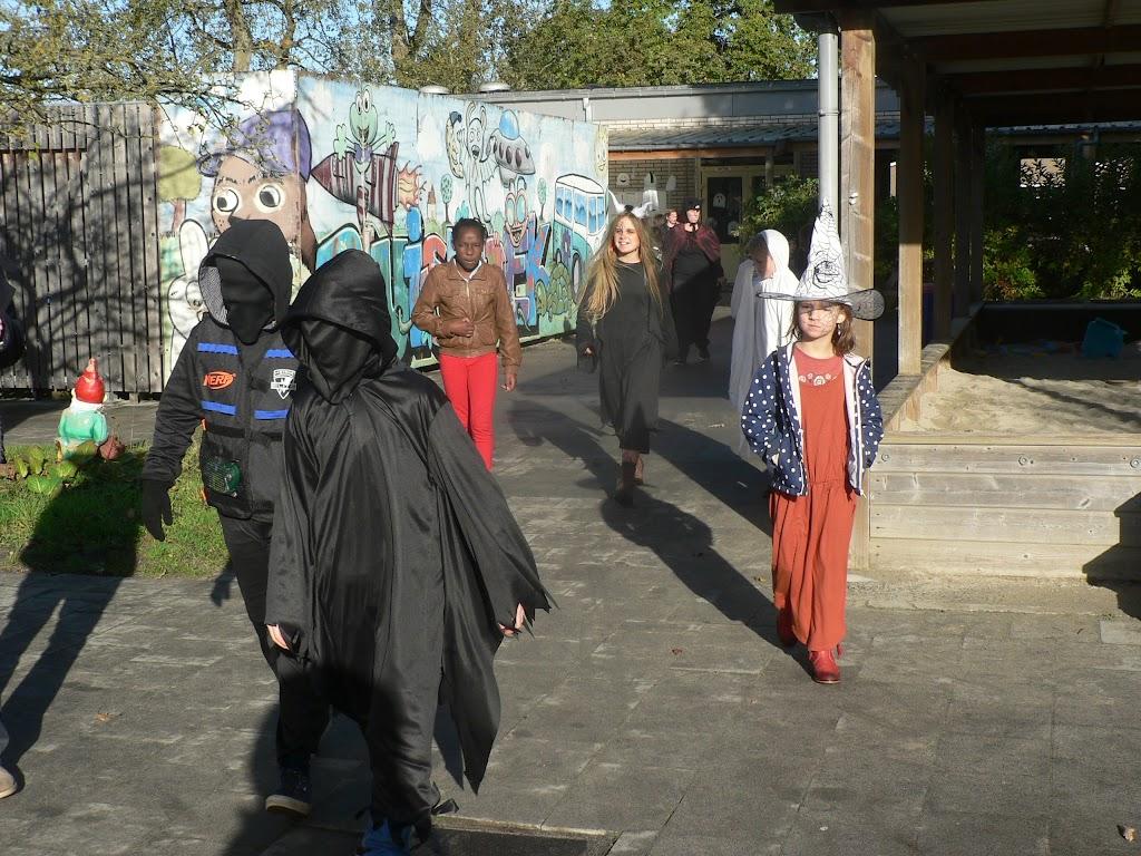 Halloween op de Pluishoek - P1270086.JPG