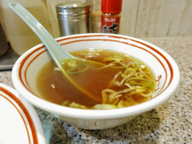 チャーハン付属の鶏ガラ醤油スープ