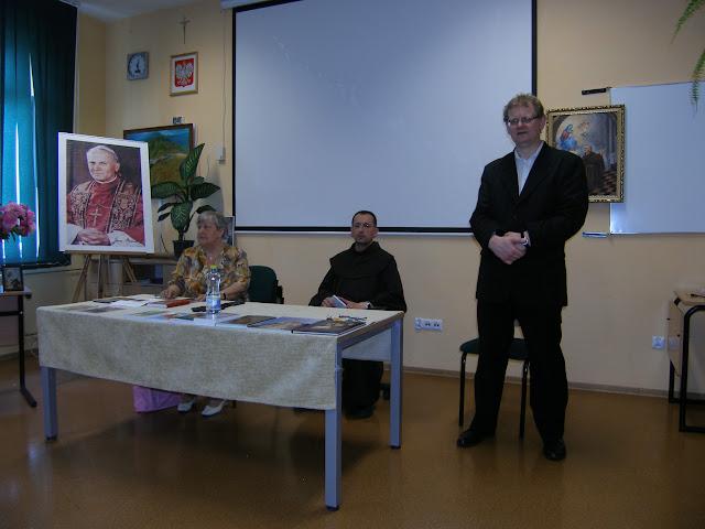 Spotkanie z autorem książek o św. Janie z Dukli i św. Janie Pawle II – Jadwigą Nowak - P6120055.JPG