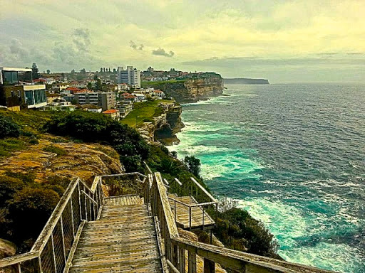 Looking North, towards North Head and in-between, the entrance to Sydney Harbour. From Walking Sydney: North Bondi to South Head