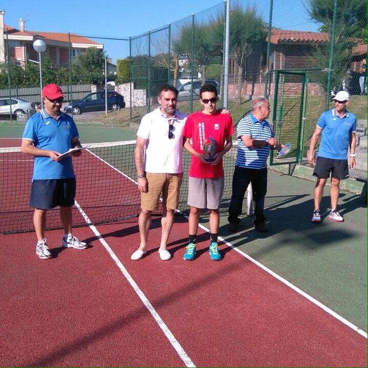 Asier Arri campeón en el torneo de Barrika