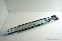 裝潢五金 品名:CT465-蝴蝶型緩衝滑軌 型式:30/35/40/45/50/55/60CM 規格:寬度45MM*厚度13MM 載重:40KG 間隙空差:12.7m/m 緩衝行程:55m/m 材質:鐵電鍍銀色 功能:用於抽屜關上時會緩衝迴歸無聲合上 玖品五金