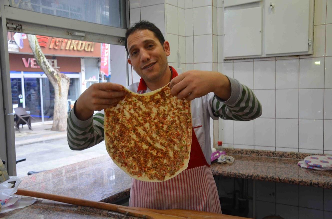 Lahmacun. Comida típica de Estambul