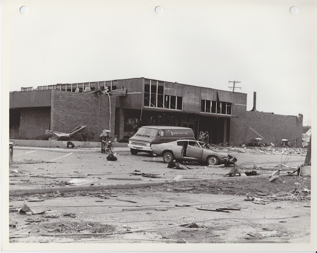 1976 Tornado photos collection - 89.tif