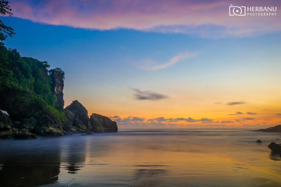 Sunset Pantai Logending