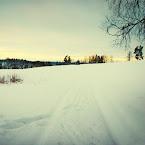 20121208-02-skiing-gate-field.jpg
