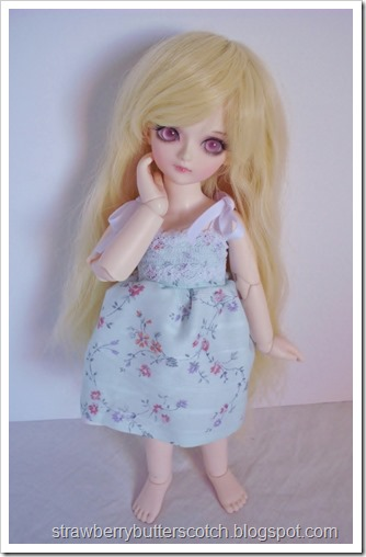 5 a Week: Tiny Doll Dresses:  And a new ball jointed doll!
