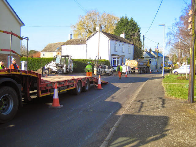 St Johns Close Resurfacing 23-03-2015. Pictures by Chris Cannon - IMG_1053.JPG