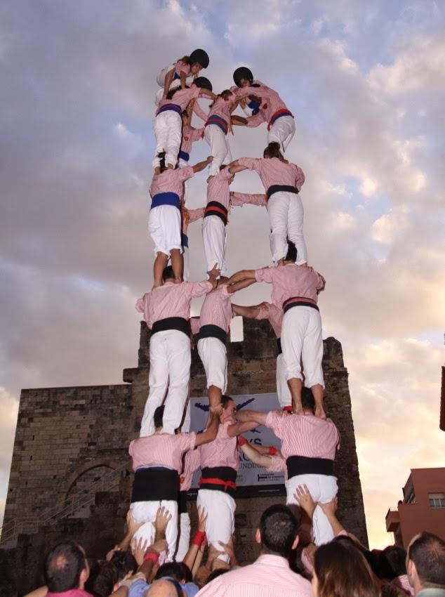 Diada dels Xiquets de Tarragona 16-10-10 - 20101016_178_5d7_XdT_Tarragona_Diada_dels_Xiquets.jpg