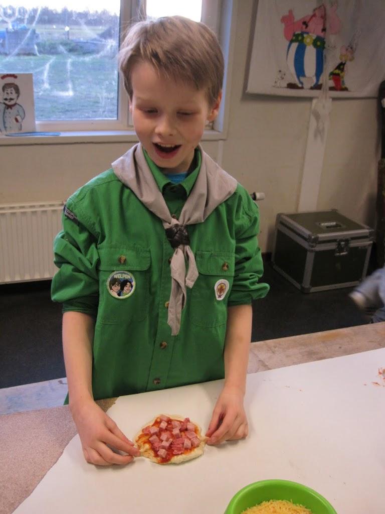 Welpen - Pizza bakken - IMG_7543.JPG