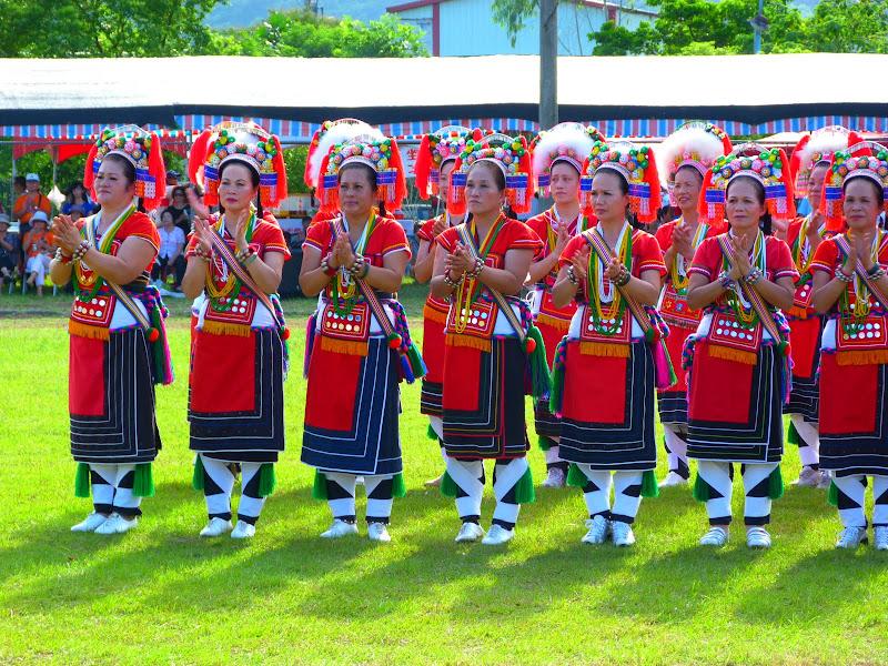 Hualien County. Liku lake. Danses Amis J 2 - liyu%2B2%2B460.JPG