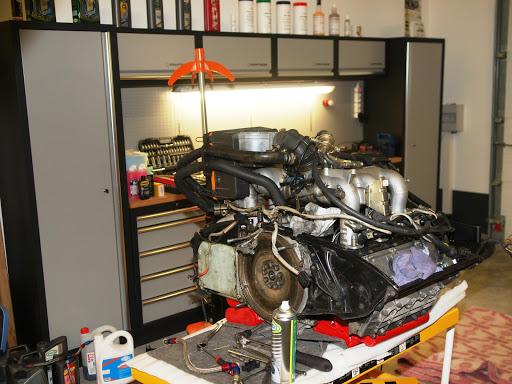 Intérieur Garage Porsche Flat 26 à Grignan dans la Drôme
