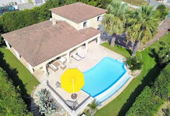 Villa 7 pièces 236 m2