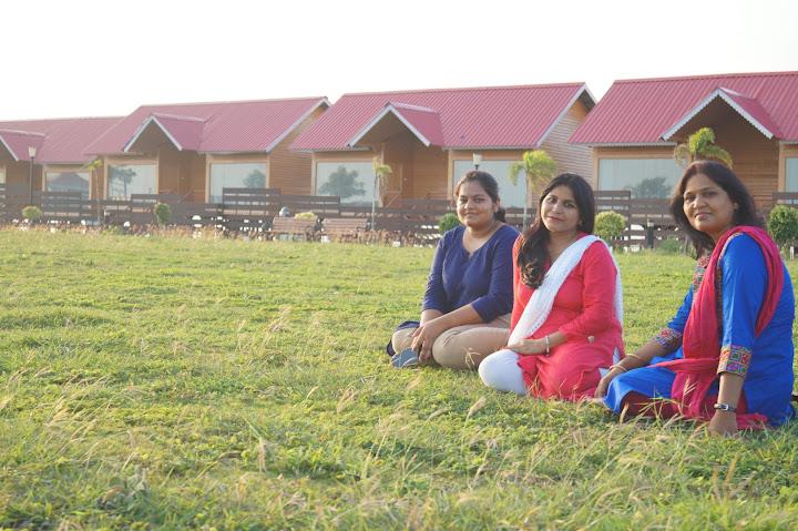 Omkareshwar and Hanmuntiya water resort - DSC06657.JPG