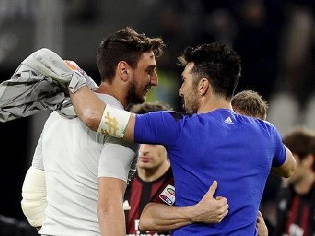 Donnarumma hạnh phúc khi đổi áo với Buffon