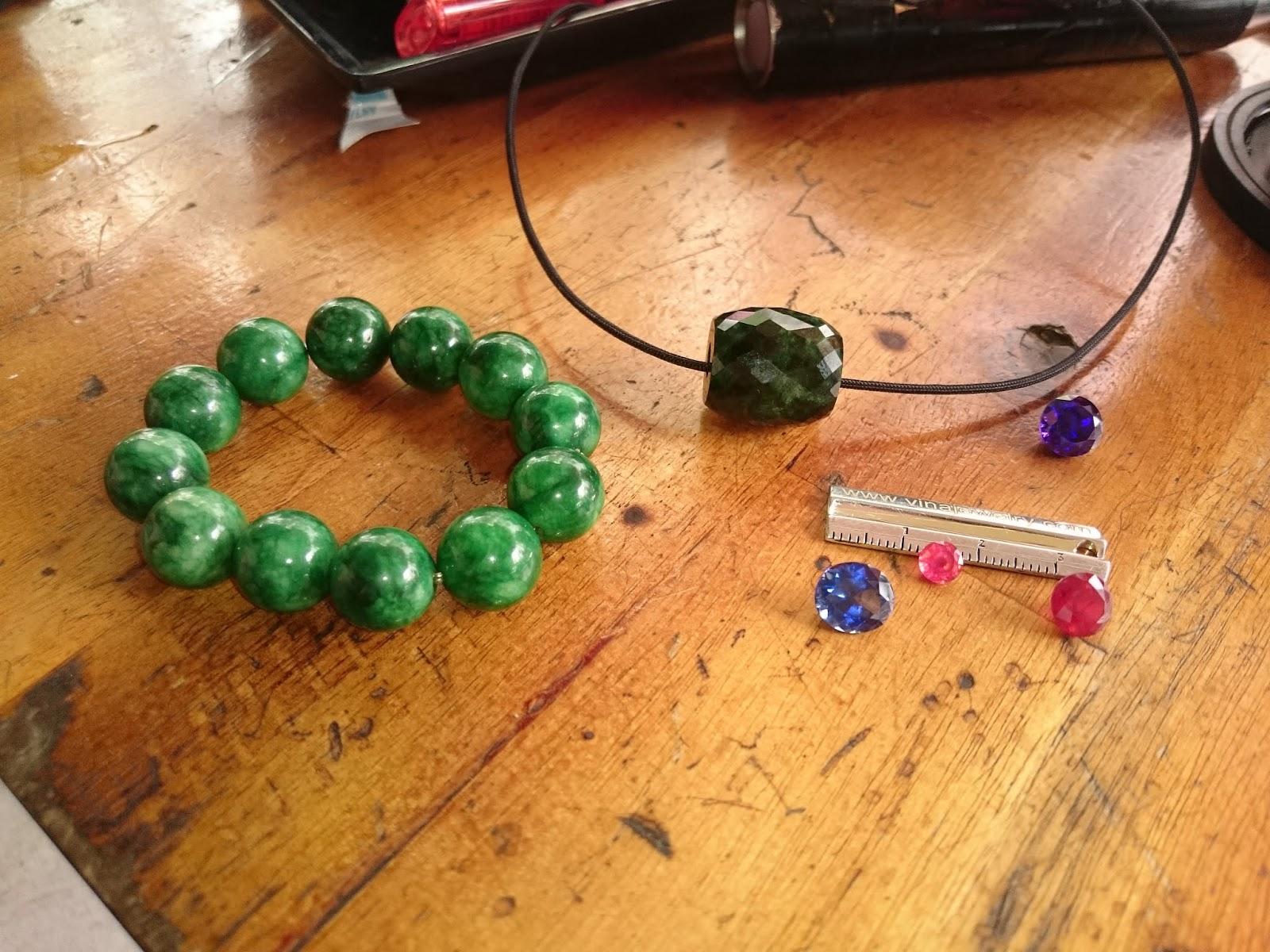 Chuỗi Cẩm thạch, lu thống, đá quý Ruby, Sapphire
