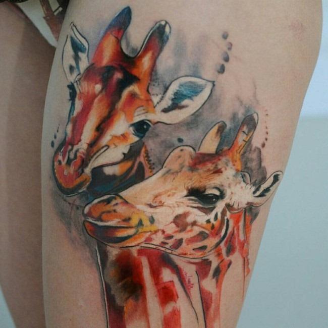 linda_girafas_coxa_tatuagem