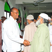 PM Stuart Meets with Muslim Community