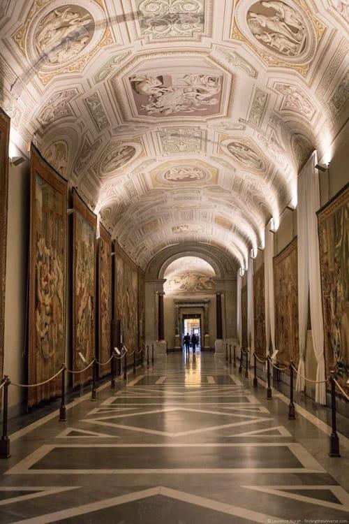 Vatican tour Pristine Sistine empty corridor