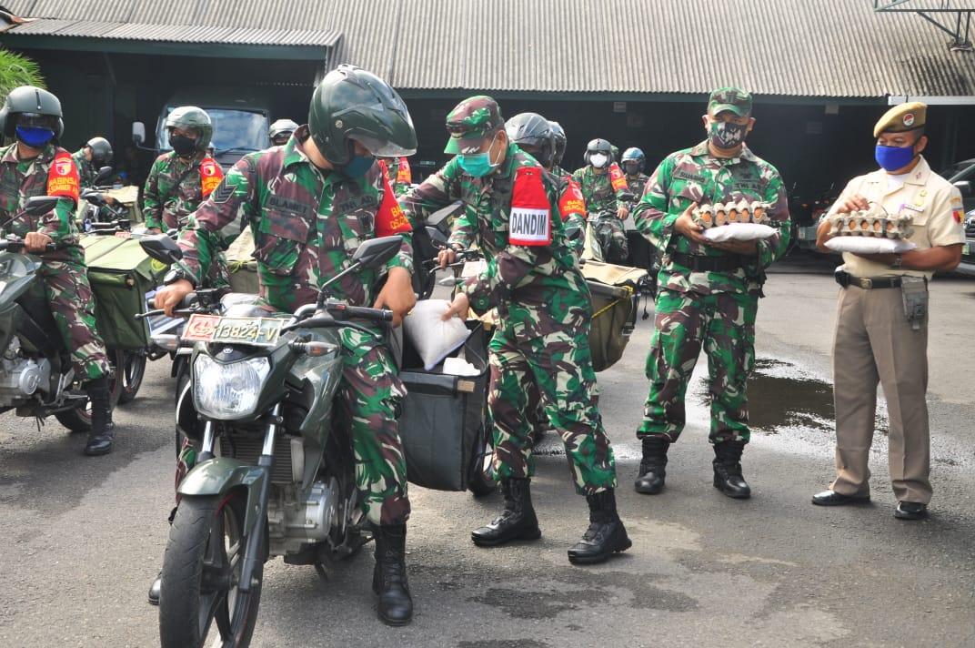 Dandim 0808/Blitar Berangkatkan Tim Distribusi Bantuan Kepada Masyarakat Yang Terdampak Covid-19