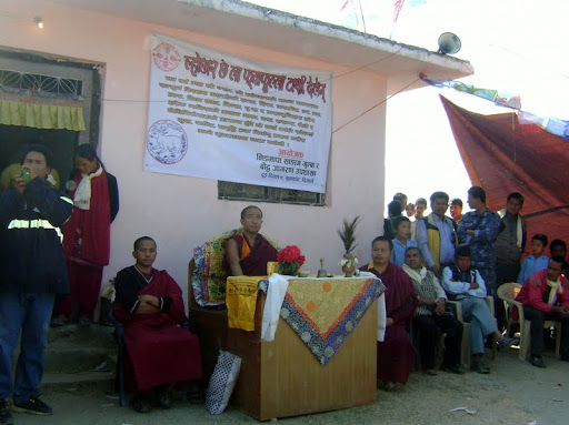 Losang Namgyal Rinpoche at gompa in Nuwakot District, Nepal, Vesek 2011. Photo courtesy of Losang Namgyal Rinpoche.