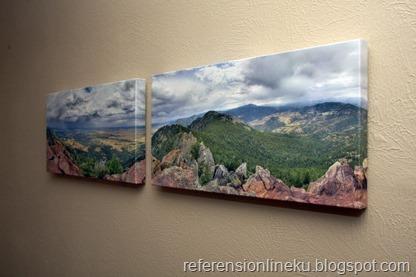 Hasil karya fotografi yang dipajang di dinding