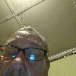 user Tommy George apkdeer profile image