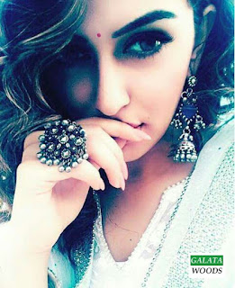 Hansika Selfie Hot Photos Stills Images Pics Photos Gallery Wallpapers