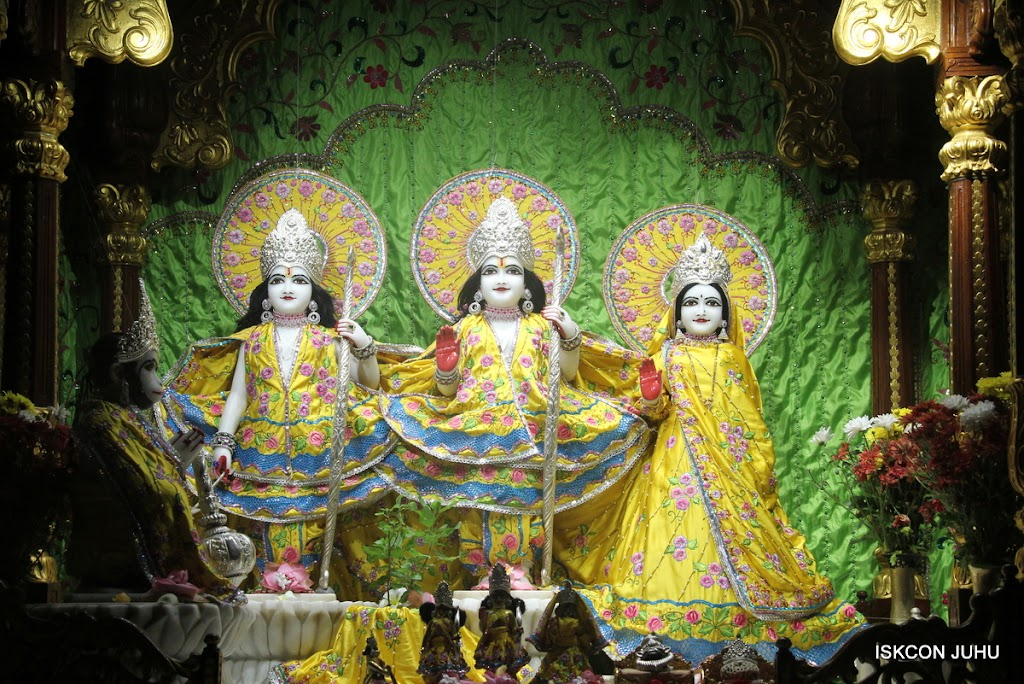 ISKCON Juhu Mangal Deity Darshan on 2nd July 2016 (6)