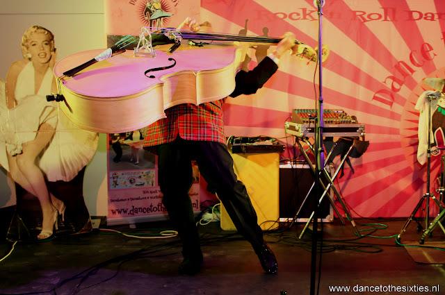 Phil Haley  & his Comments bij 20 Jaar Dance to the 60's Rock n Roll Dansschool (225).JPG