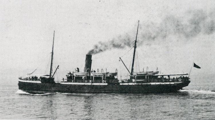El vapor GIBEL DERSA navegando. Del libro Bland Gibraltar.JPG