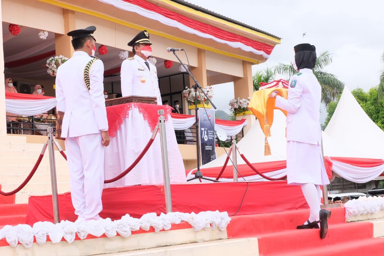 Bupati Soppeng Selaku Inspektur Upacara HUT Kemerdekaan RI ke-76 di Lapangan Gasis