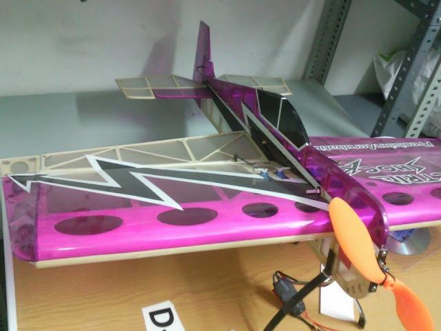 Vendo avion Electric Shock SNC00188