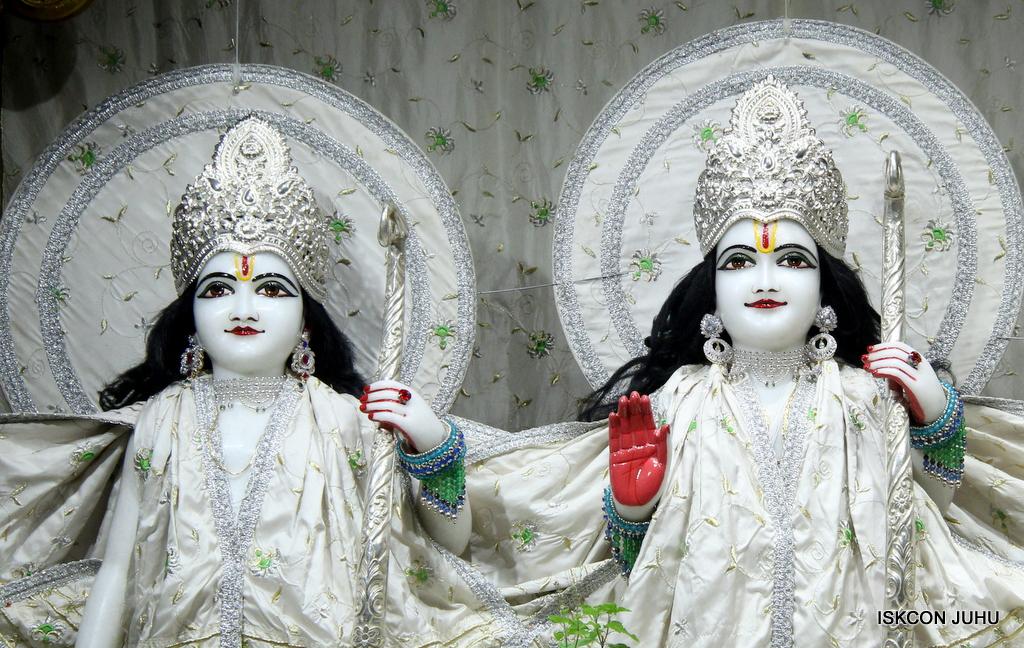 ISKCON Juhu Mangal Deity Darshan on 8th Sep 2016 (11)