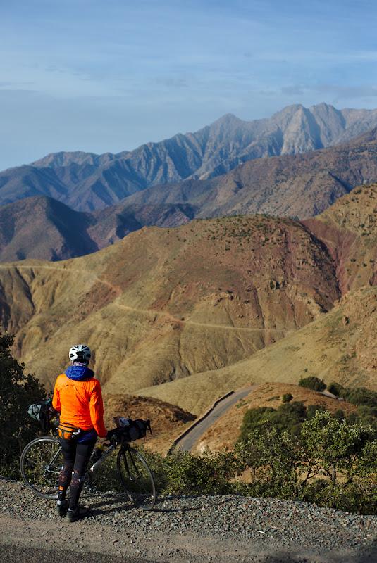 Totul e la vale de aici, 1800 de metrii de coborat pana in Taroudant.
