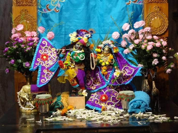 ISKCON Nigdi Deity Darshan 06 Jan 2016 (6)