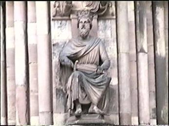 1995.06.12-022 statue du portail de l'horloge