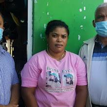 Director Indesur visita madre de niños con problema psicomotor que solicitó ayuda al  gobierno