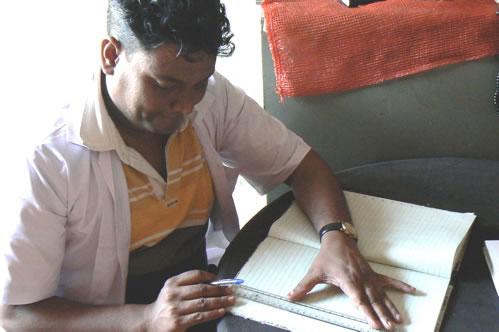 Humsafar drop-in center health advisor