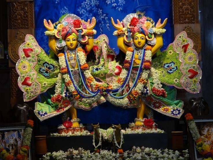 ISKCON Nigdi Deity Darshan 29 May 2016 (16)